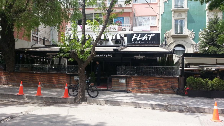 Flat Bar & Pub